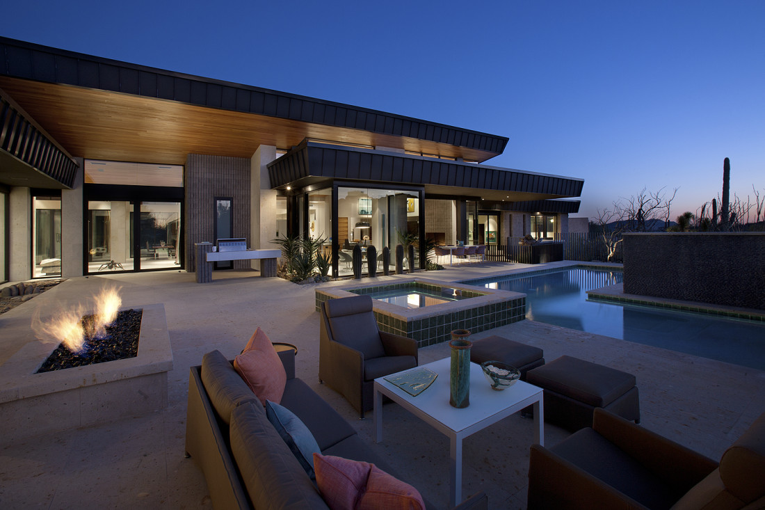 Desert modern for the magnificent collection drewett works for Modern home builders phoenix