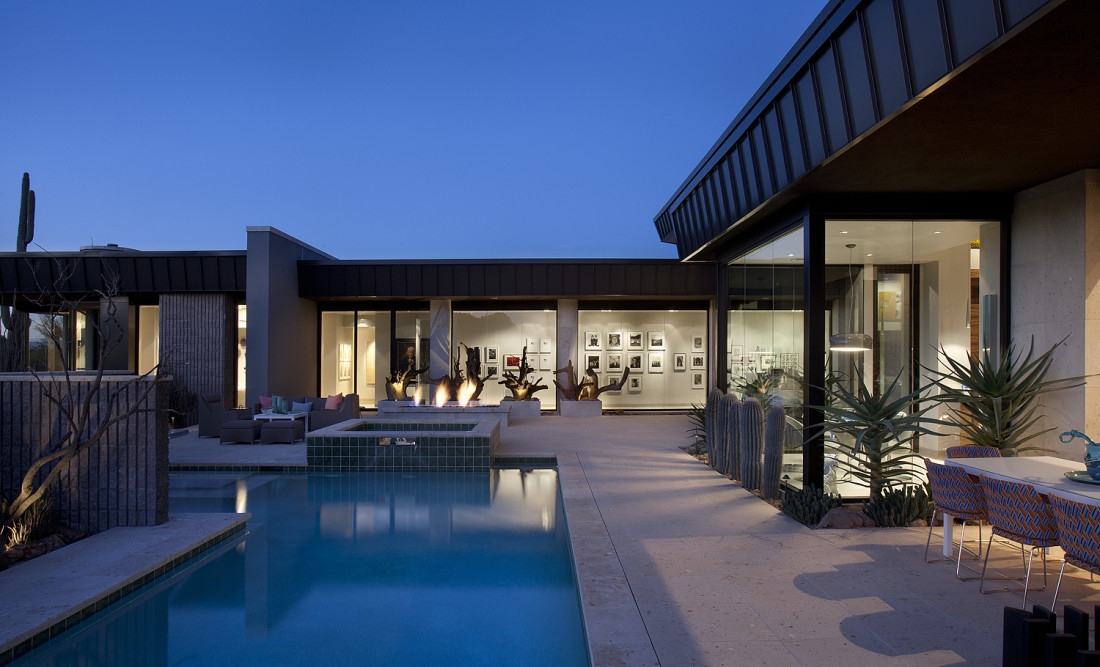 Desert modern for the magnificent collection drewett works - Villa decor desert o architecture ...